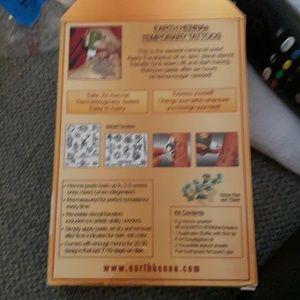 Henna tattoos premium kit!! Néw with tags!